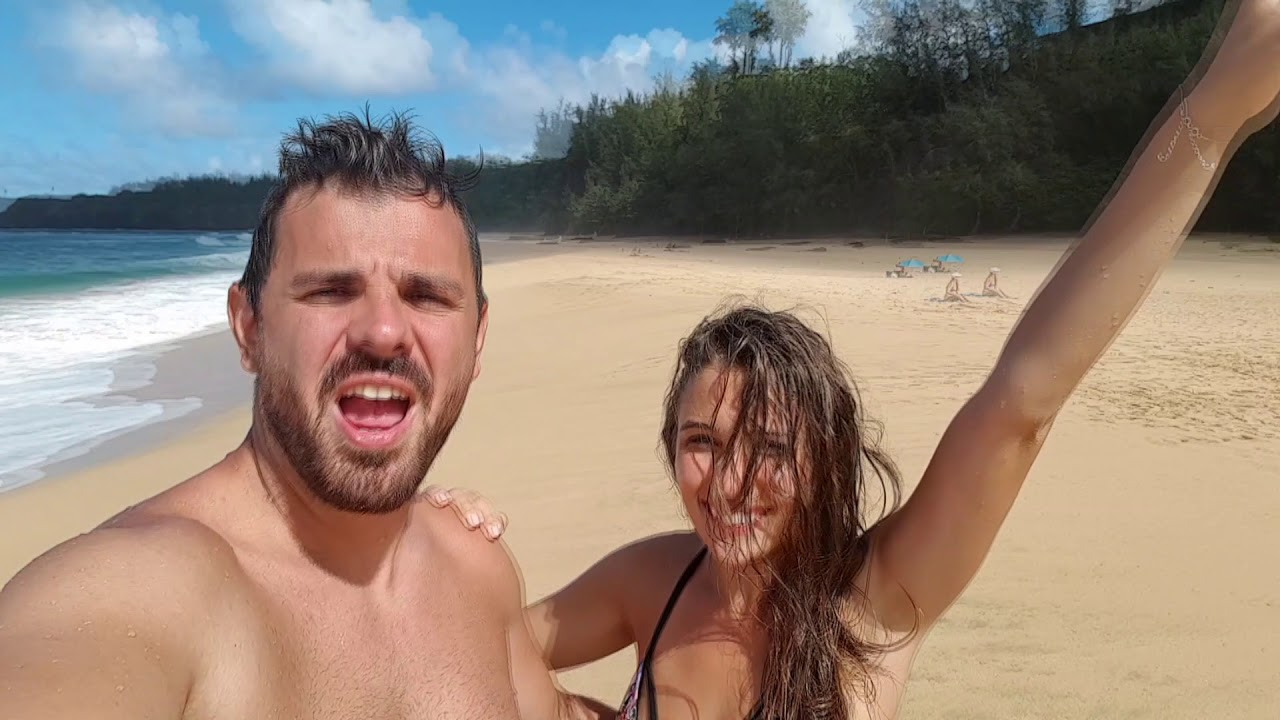 Andrea Trgovčević Hawaii beach