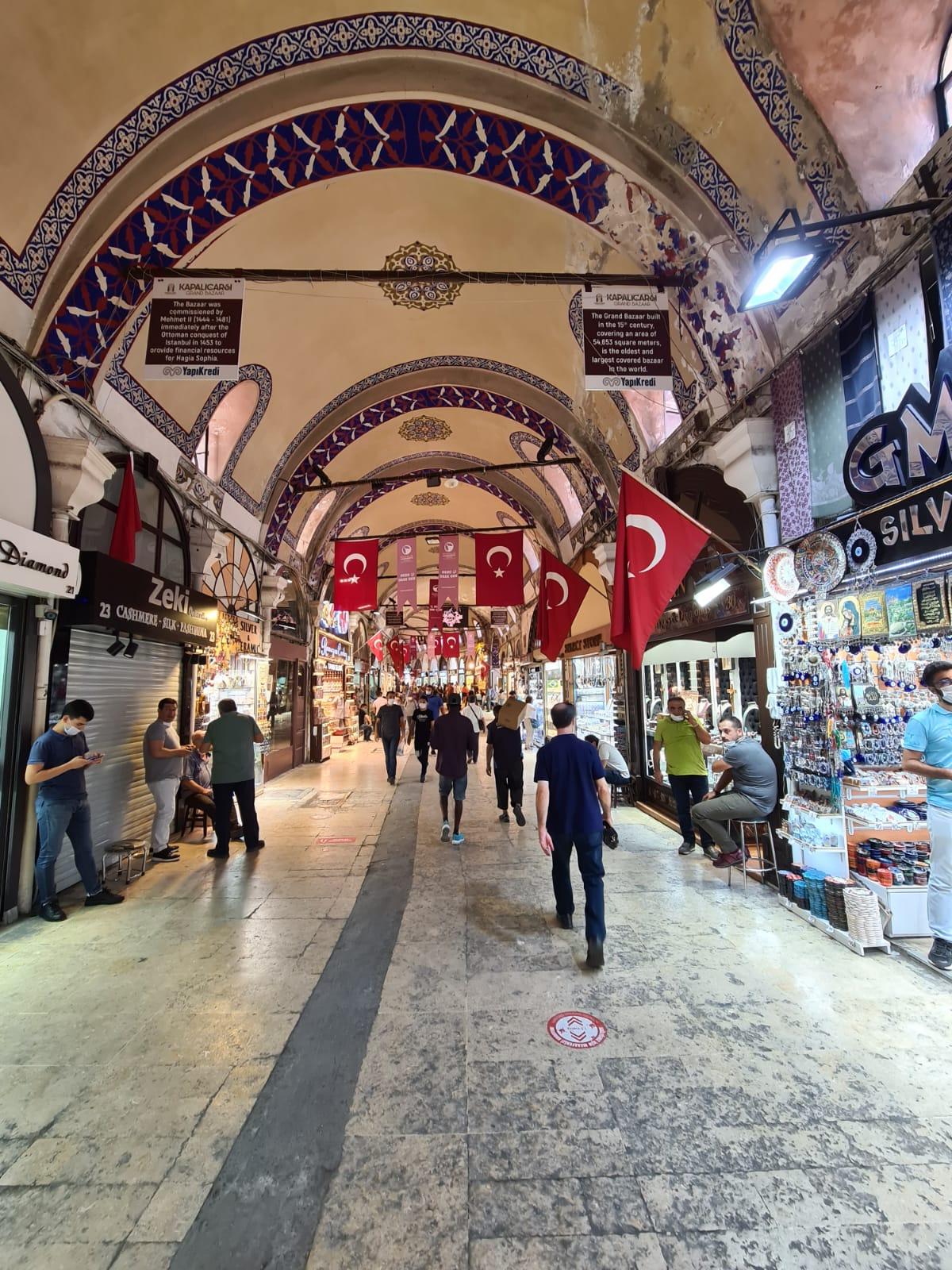 Turkey - Taht Istanbul